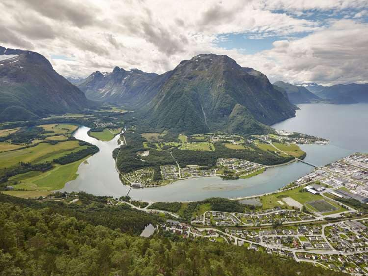 Andalsnes in crociera Costa